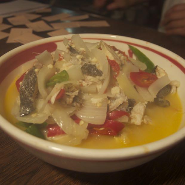 海月食堂,ブータン料理,ニジマス