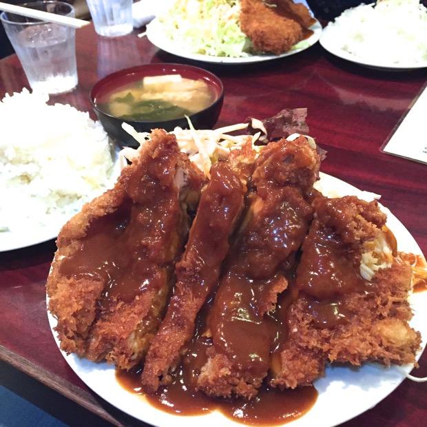 炉端レストラン ボア チキンカツ定食