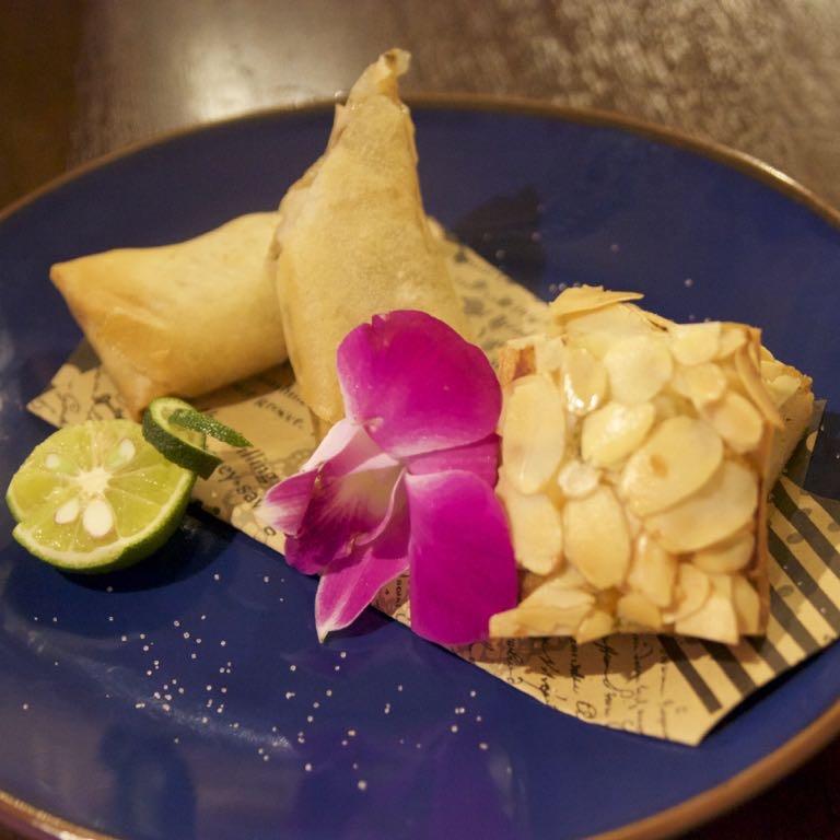 海月食堂,春巻き,アーモンドトースト