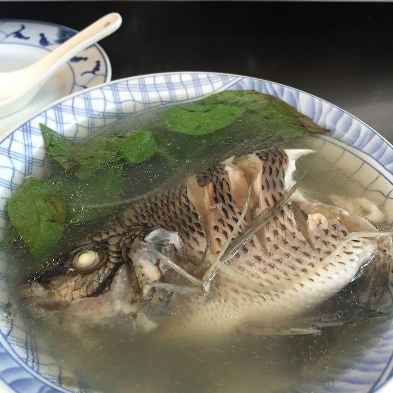 以馬内利鮮魚湯 鮮魚湯